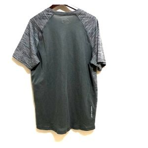 Under Armour Shirts - Under Armour Men's Heat Gear Fitted T-Shirt   M